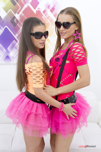LegalPorno.com - Anita Bellini & Sabrina Moor - DP Pee SZ501