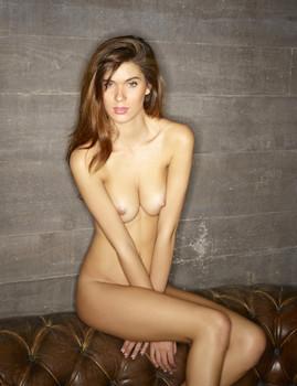 Victoria R - Effortlessly Sexy