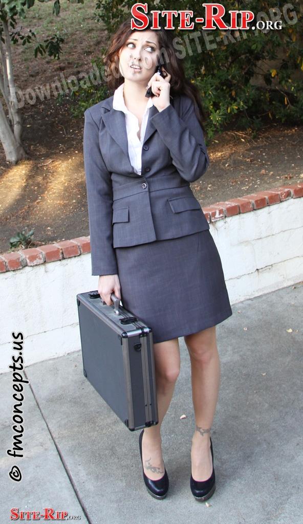 SecretariesInBondage_pics_sb797001b.JPG